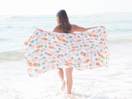 Lei Chic Hoa Kai Pineapple Towel