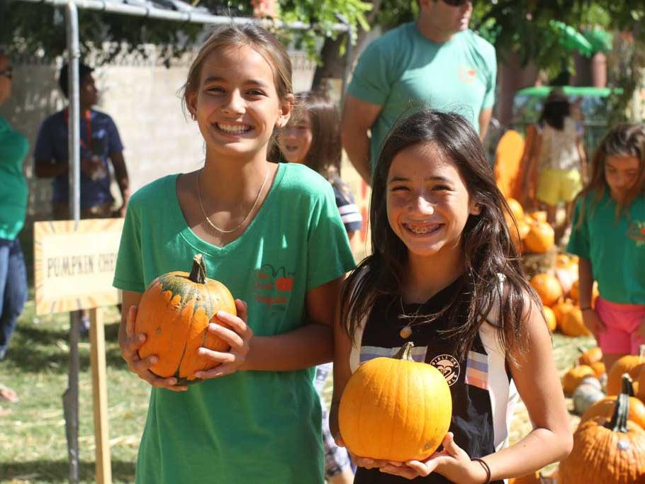 Pumpkin Festival Honolulu Girls