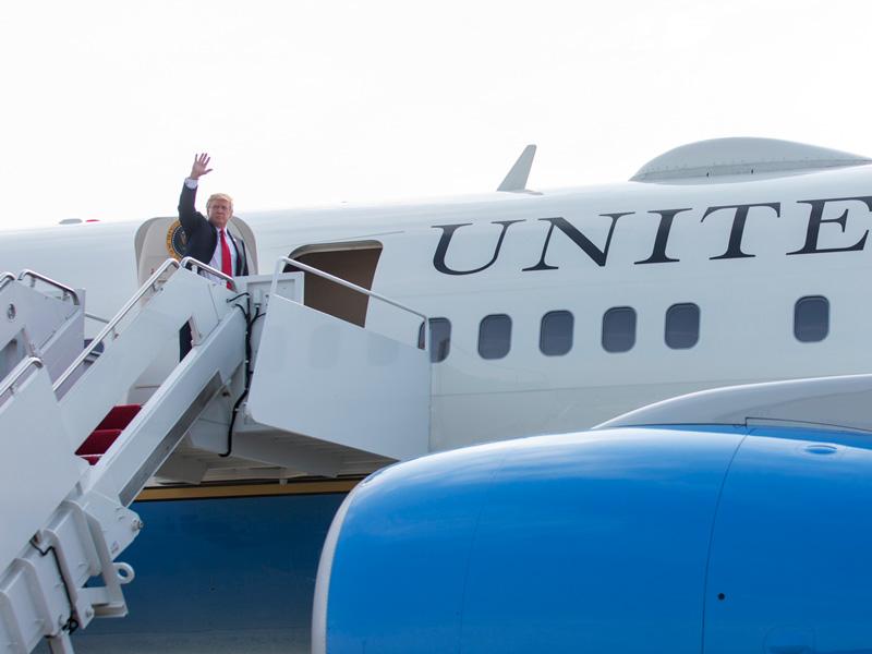 Trump Traffic Plane