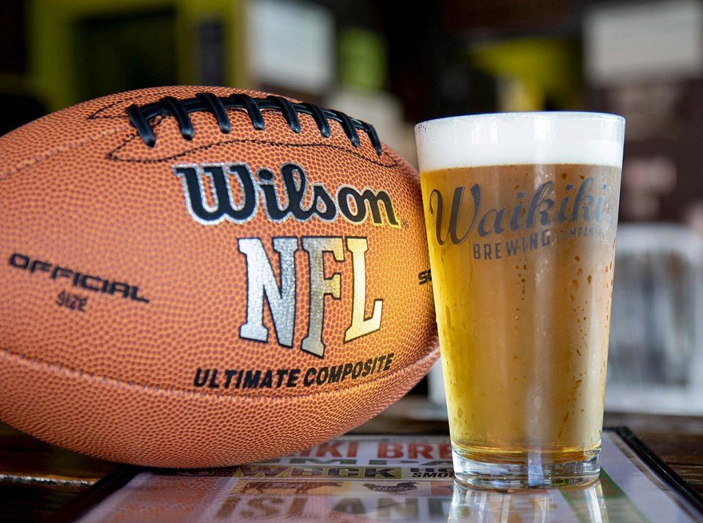 5 Restaurants Bars And Breweries For Football Sunday Brunch In Honolulu Waikiki Brewing Beer