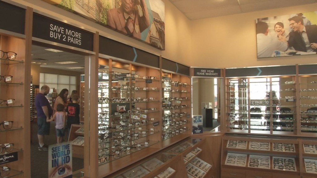 90dad346bd Eyemart Express Offers Discount for Military Members