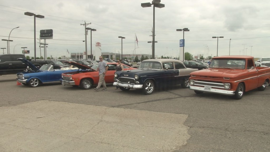 Dave\'s Classics Holds Annual Car Show