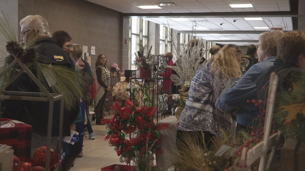 Church Puts On Holiday Collections Craft And Vendor Show