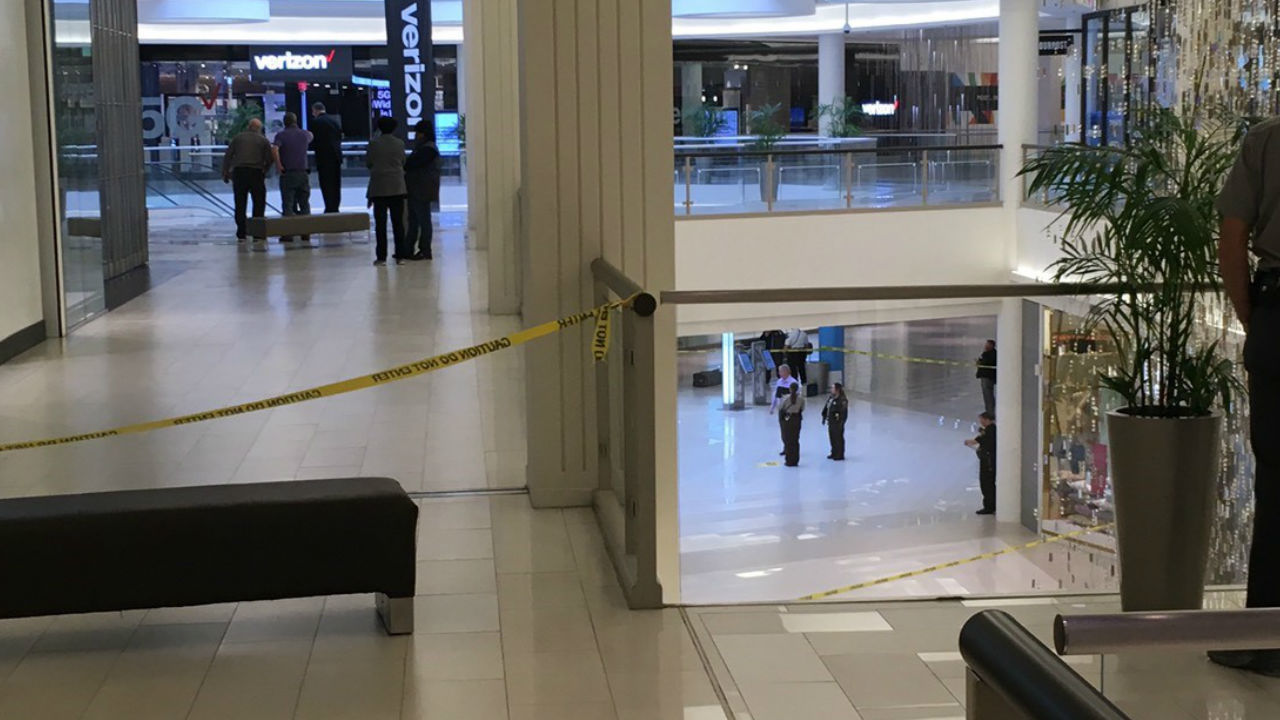 Police 5 Year Old Pushed Or Thrown From 3rd Floor Of Mall