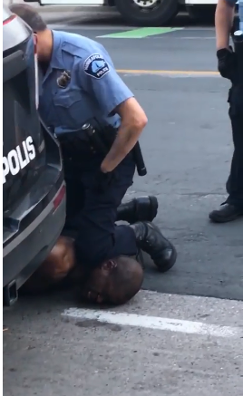 Minneapolis Police Knee Takedown 2 Bad