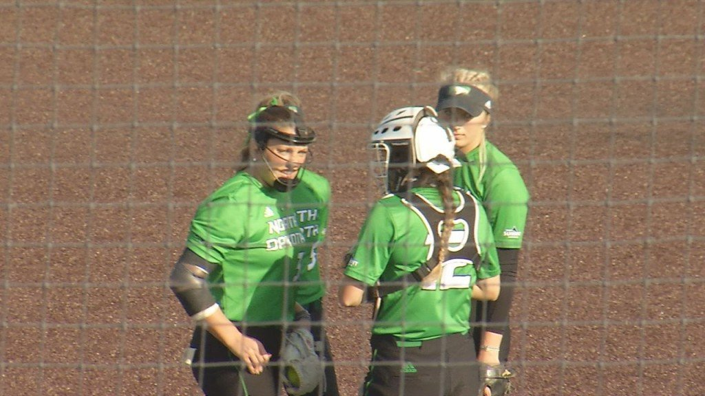 Und Softball Still