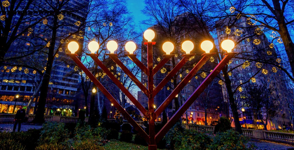 Rittenhousesquaremenorahlighting