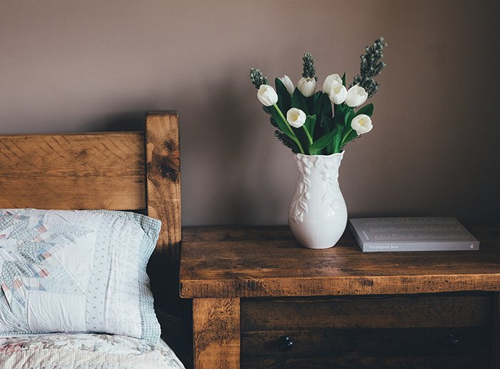 1 5 Ways To Get That Vintage Bedroom Vibe, Ski Country Antiques, Mountain Living