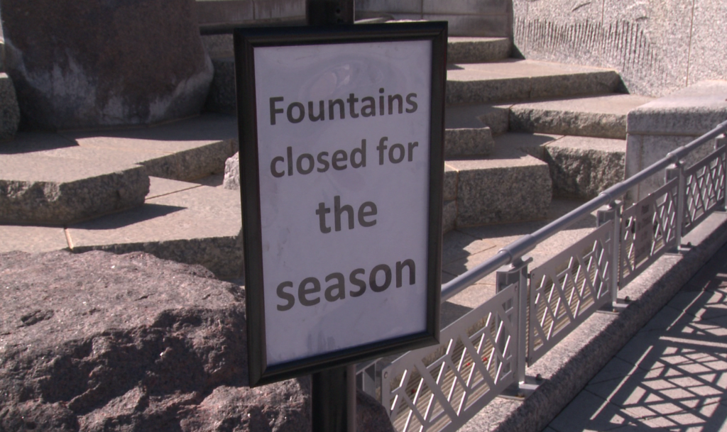 A sign tells passersby that the fountains at Main Street Square are closed on Oct. 1, 2018.