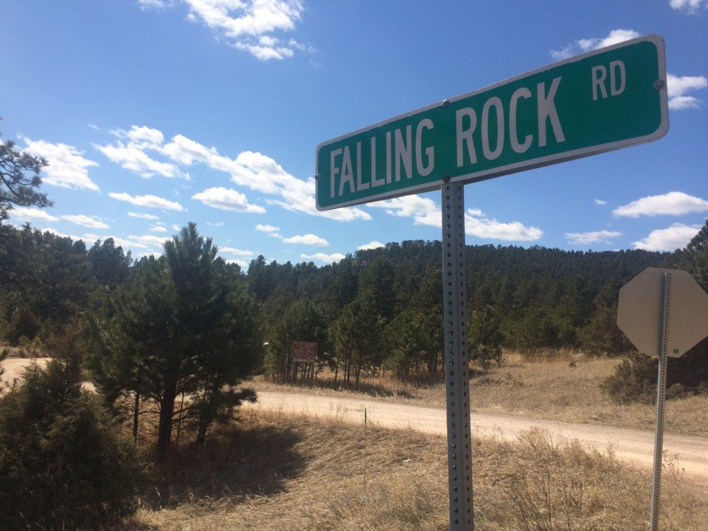 picture of Falling Rock Road sign