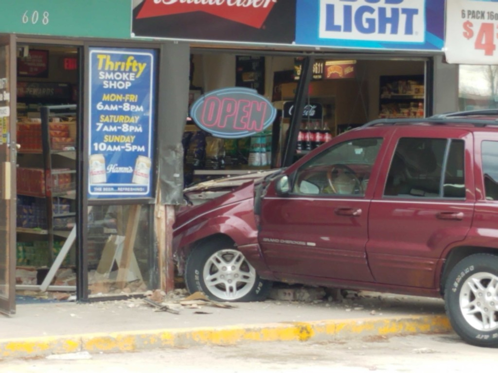 Car crash into Thrifty Smoke Shop