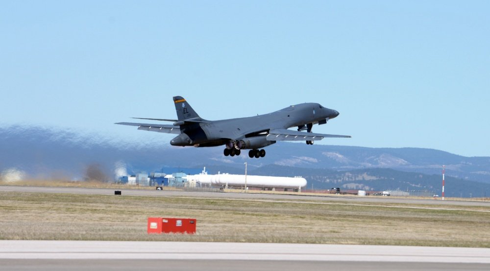 B 1b Lancer Takeoff Ellsworth