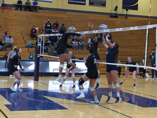 Sd Mines Chadron Volleyball1