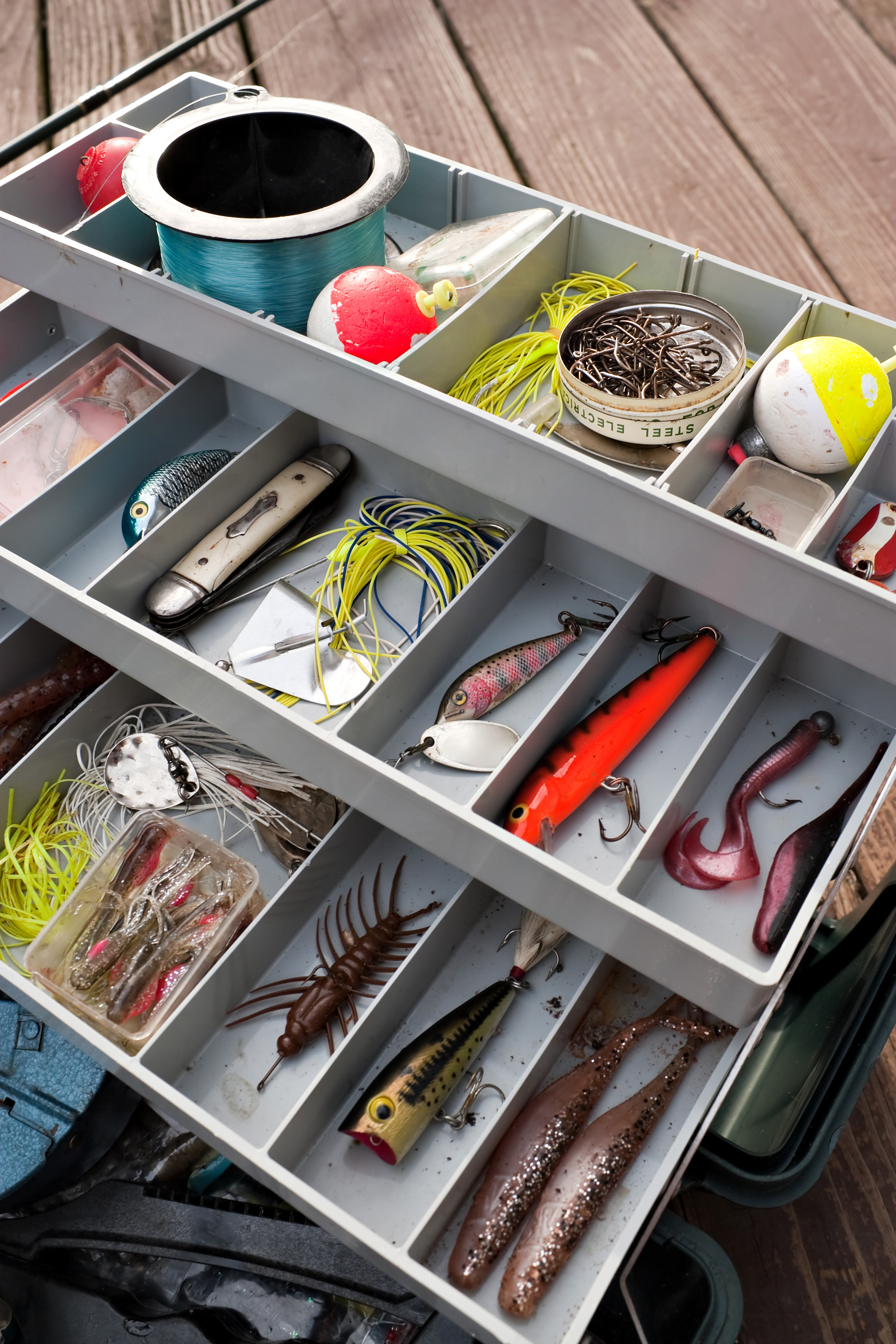 Outdoor news and clam name monticello teen december 2015 for Monthly fishing box