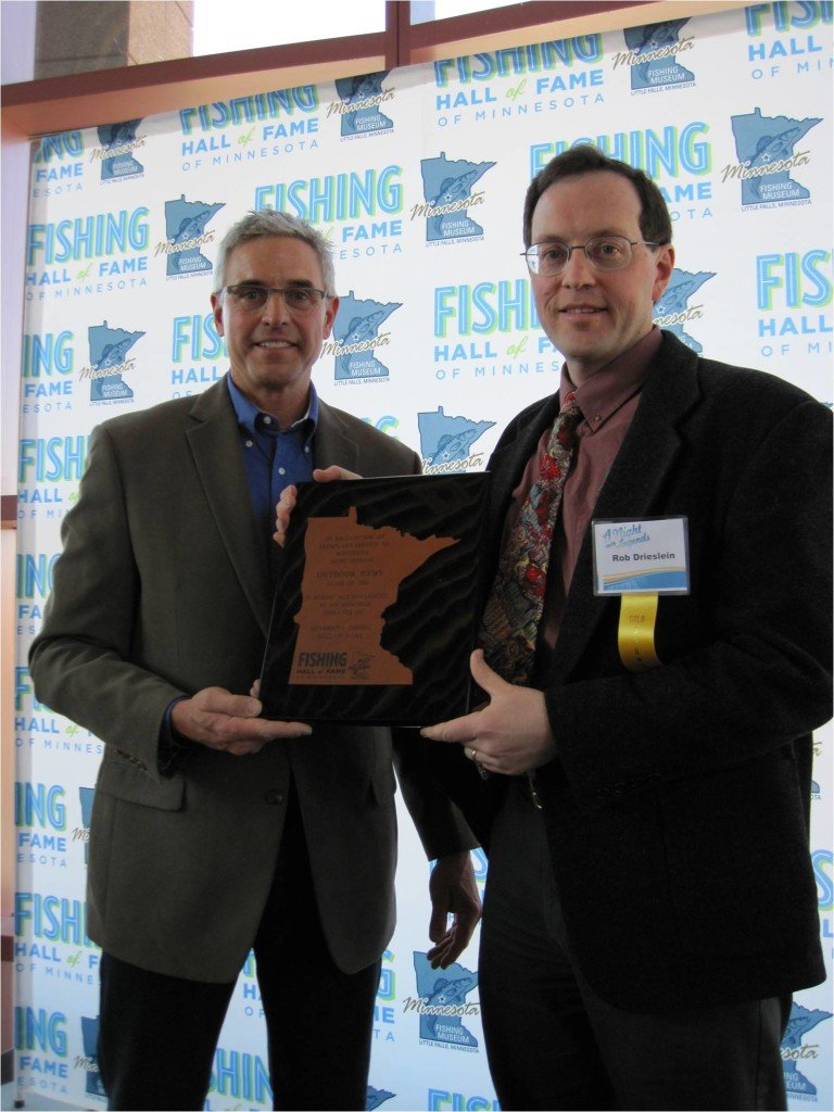 Minnesota outdoor news inducted into fishing hall of fame for Outdoor news mn fishing report