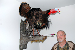 West bend man arrows a record atypical tom photo for Bob fish west bend