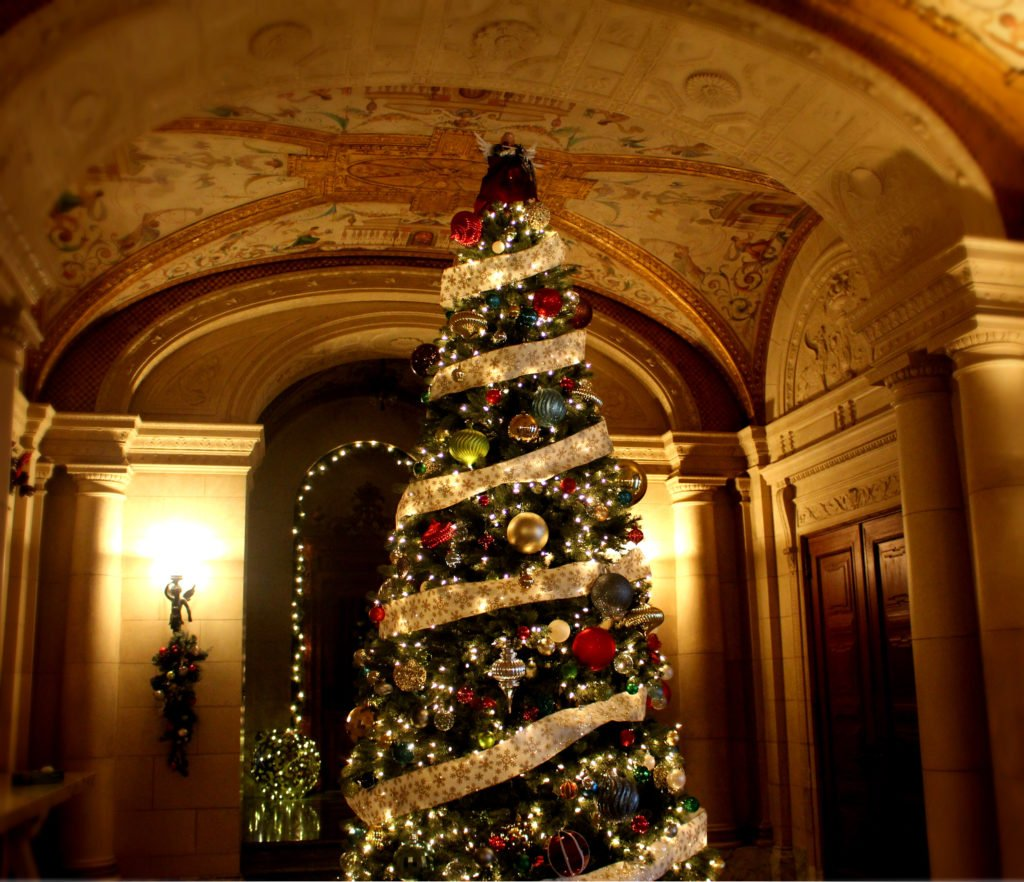 aldrich mansion knows how to host a christmas party this thursday they open their wrought iron doors to the public from 6 to 8pm for some eye candy in