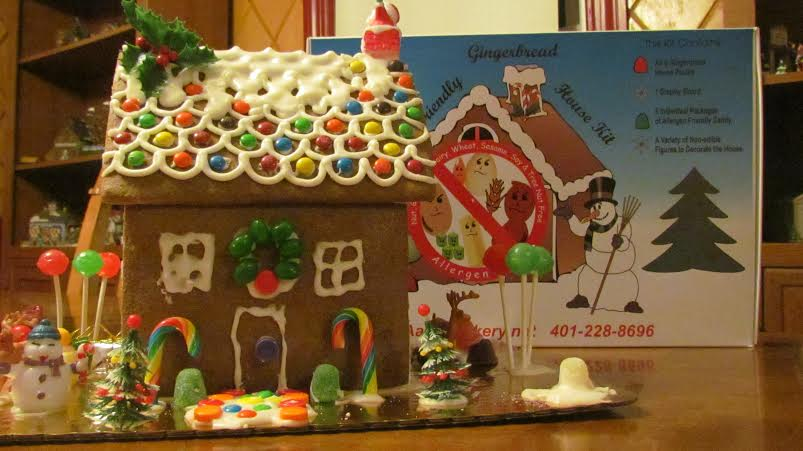 Make decorating a gingerbread house a christmas tradition rhode christmas is just two days away two days while all of the holiday shopping is done hopefully there is still a lot of anticipation for the big day solutioingenieria Images