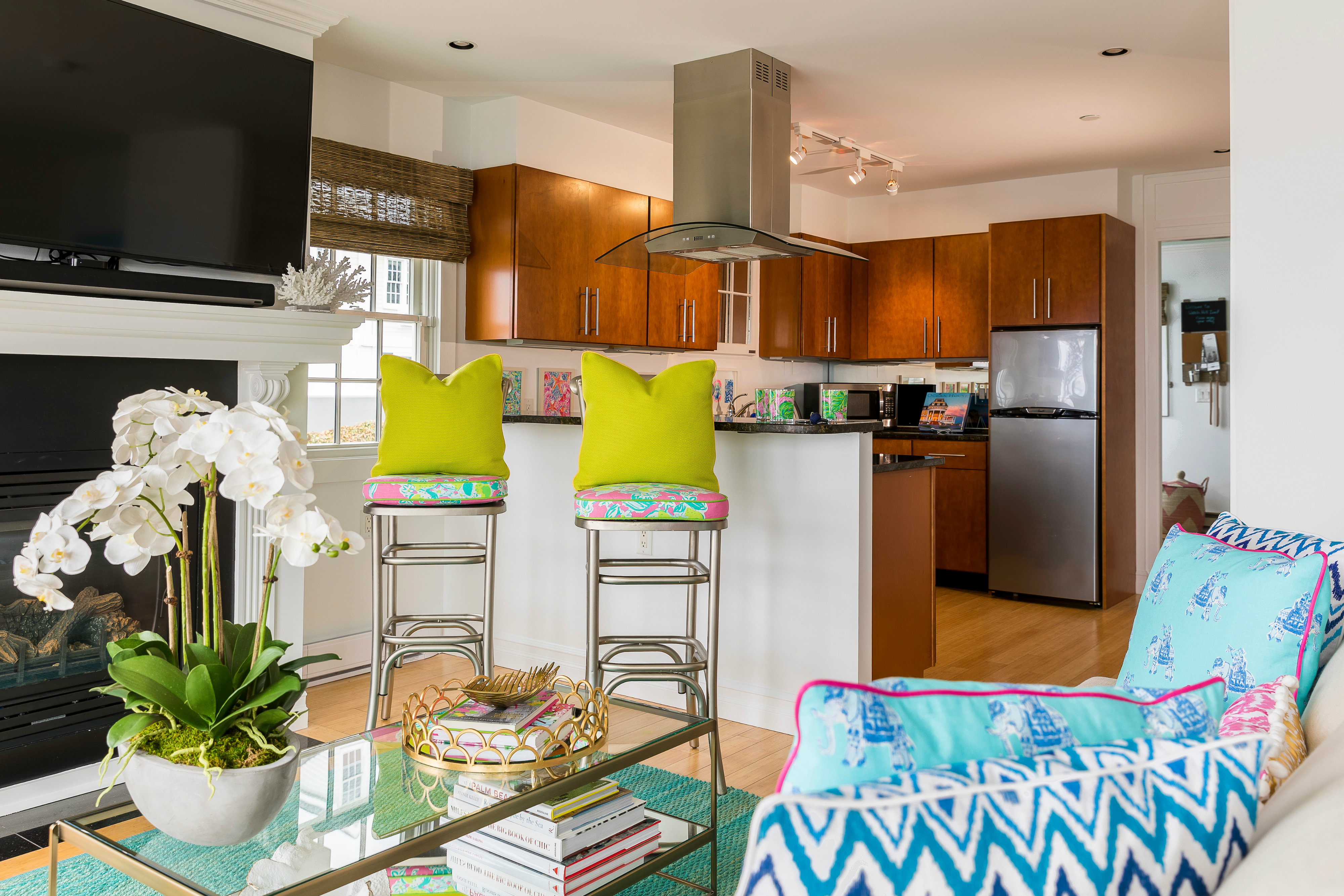 Now Lilly Fans Can Surround Themselves In Prints From The Resort Wear Brand  By Booking The Lilly Pulitzer Suite At The Watch Hill Inn.