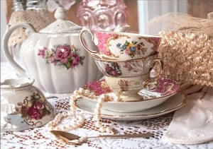 Hearts, Flowers and Victorian Afternoon Tea @ Hearthside House Museum