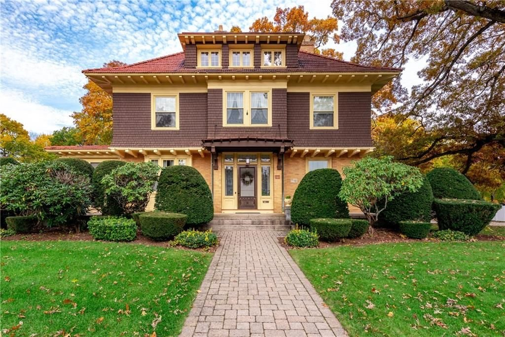 House Lust 4 Affordable Grand Homes In Woonsocket S