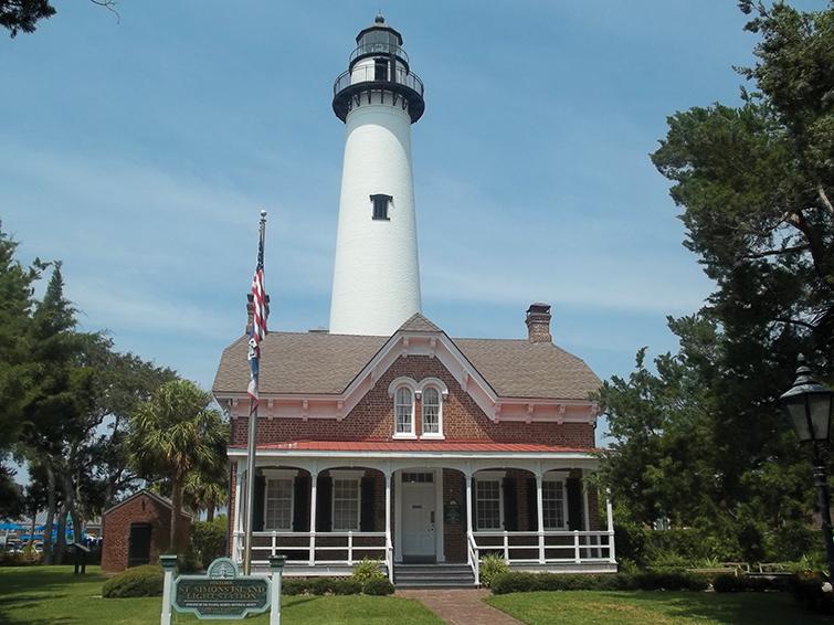 Ga St Simons Lighthouse And Keepers Bldg01