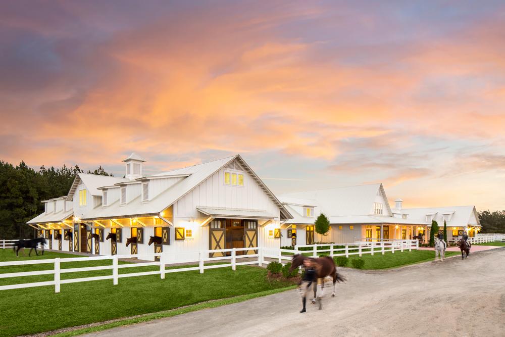 Sav 2016winter Equestrianbarn Exterior Jc 01web