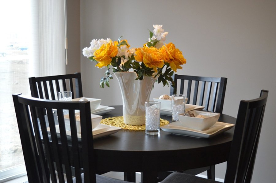 Dining Table 1348717 1920 82f0a275