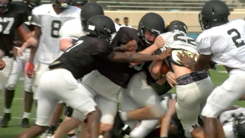 Harris County Football Throws On The Pads