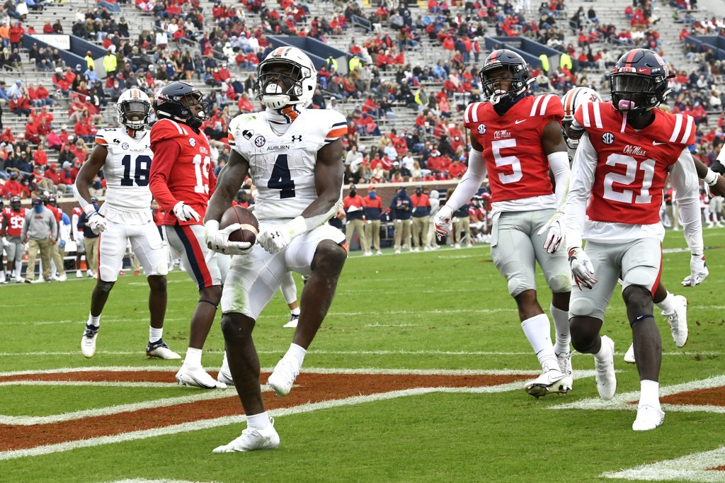 Football: Auburn Vs Ole Miss